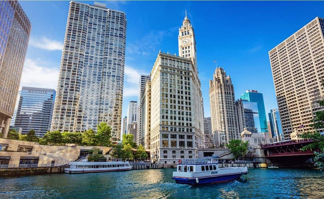 Chicago architectural walking tours Riverwalk