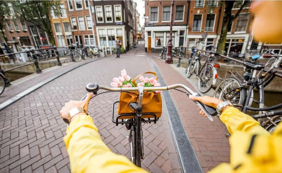 Cycling Amsterdam's narrow streets