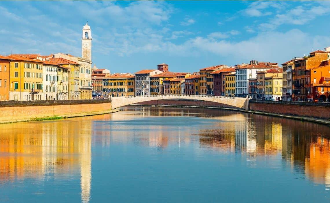Old town Pisa walking tour on the Arno River