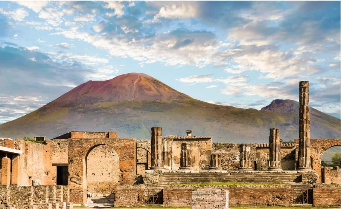 Staying in the city means you can start your Pompeii self guided tour before the crowds arrive