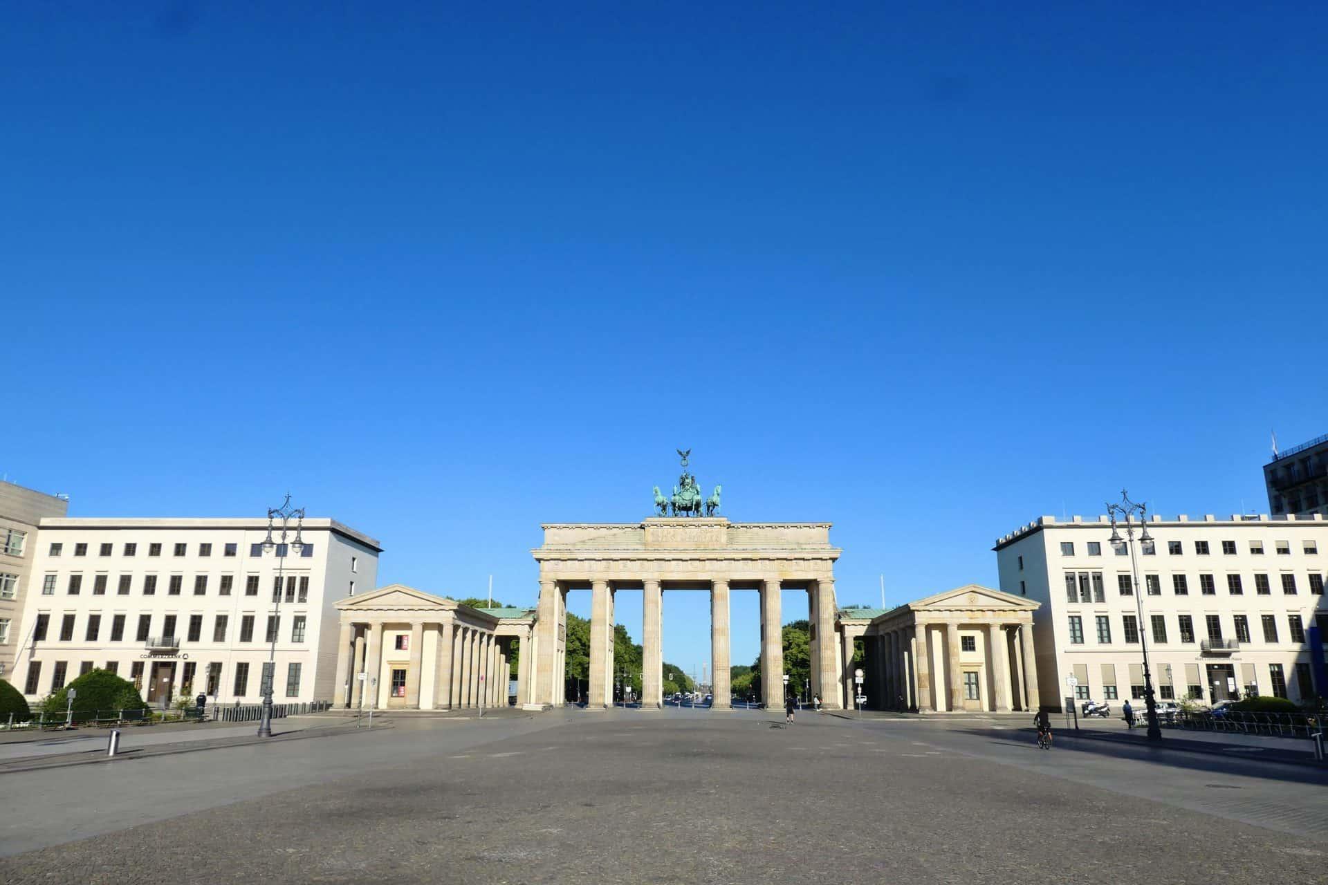 BerlinTour_JeffO_BrandenburgGate_Stop10