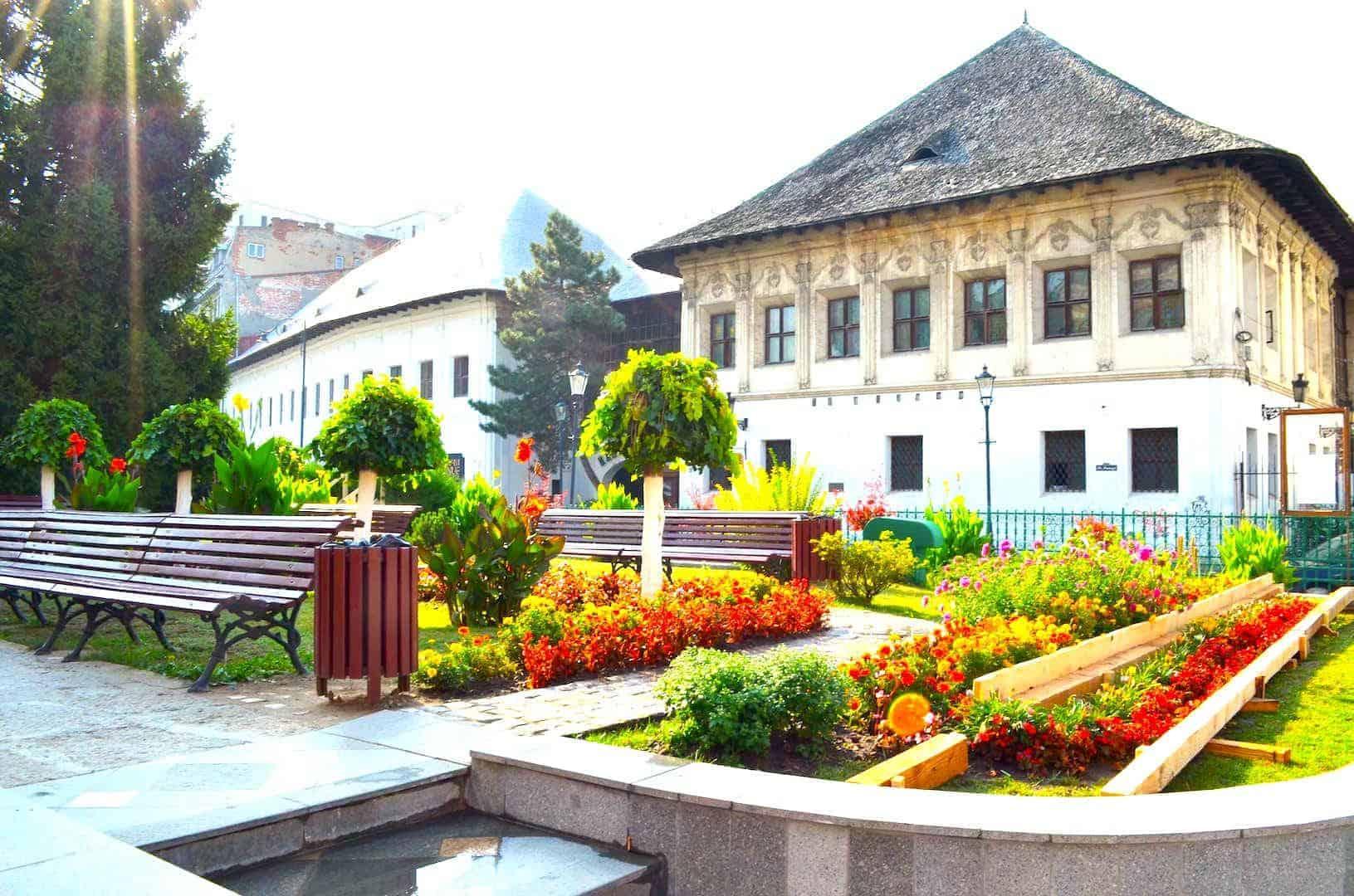 Buchareststories_ Point17_Manuc's Inn.jpg