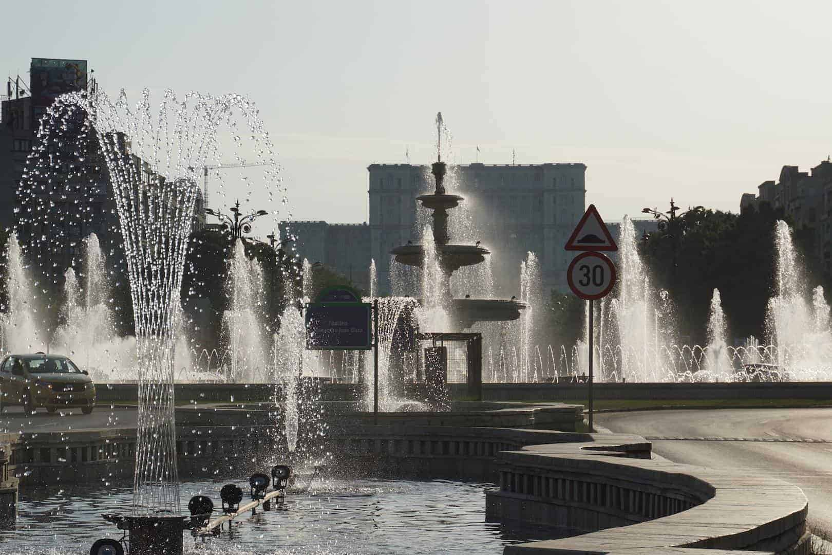 Buchareststories_ Point19_The Fountains and the Palace of Parliament.jpg