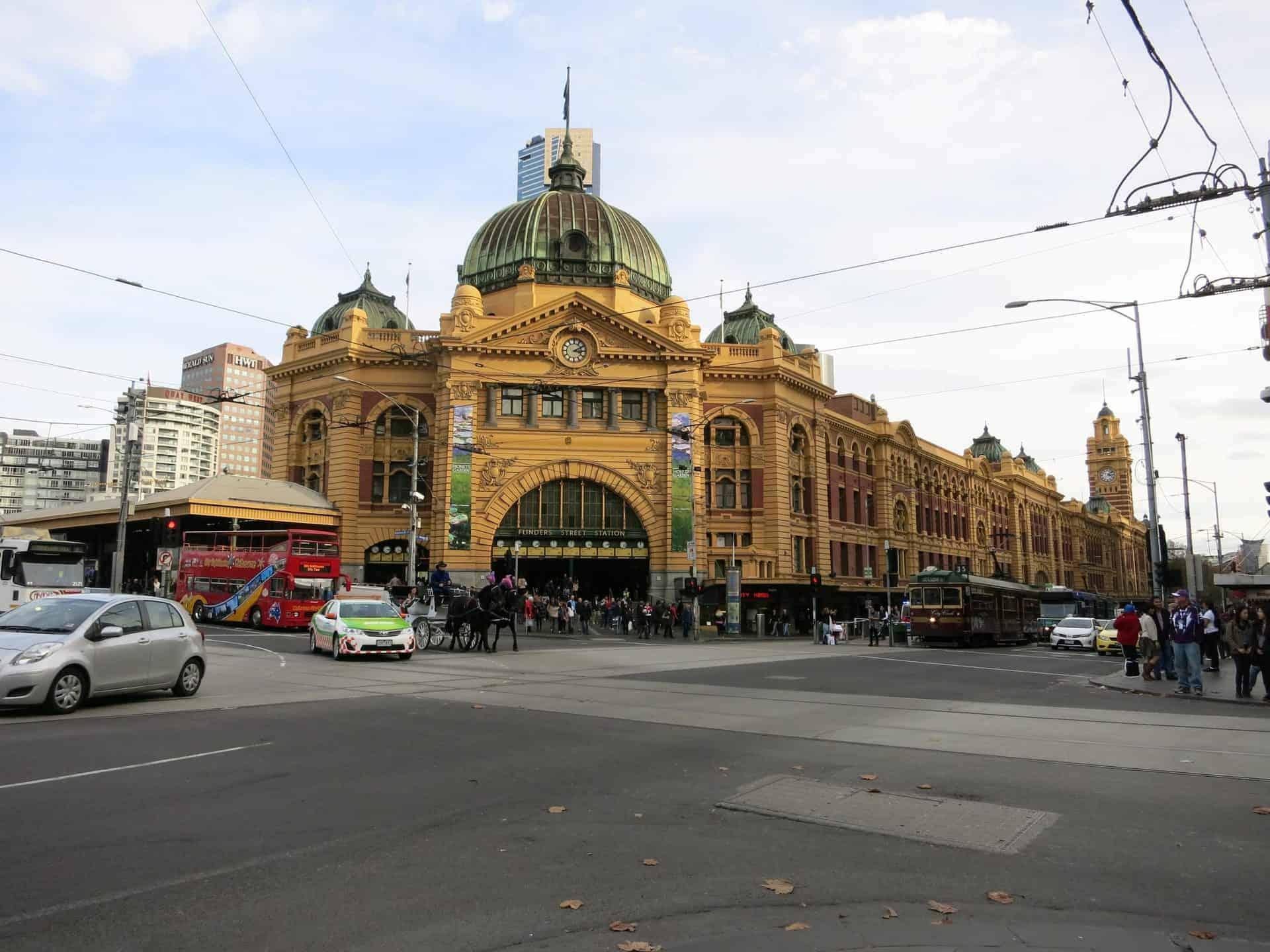 EssentialMelbourne_Point1Narration2_FlindersStreetStation