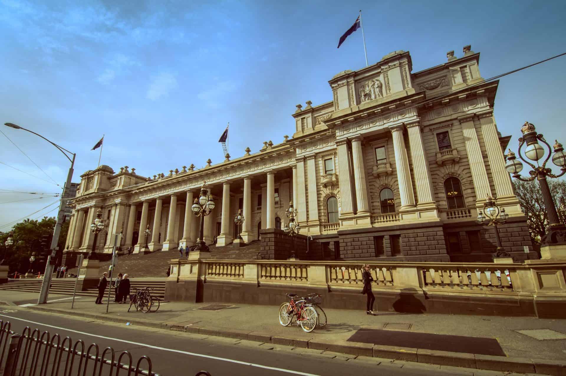 EssentialMelbourne_Point6_ParliamentHouse