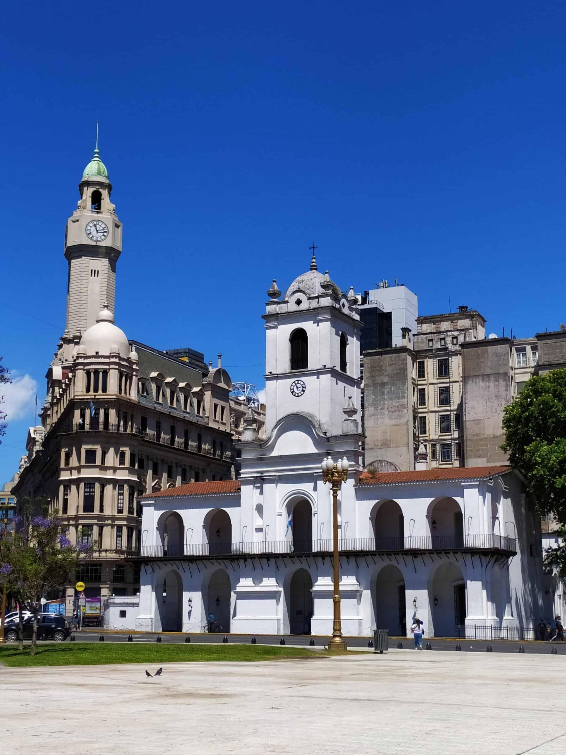 Essentialbuenosaires_tourpoint4_plazademayo,cabildoandcathedral_cabildoandcitycouncil_2
