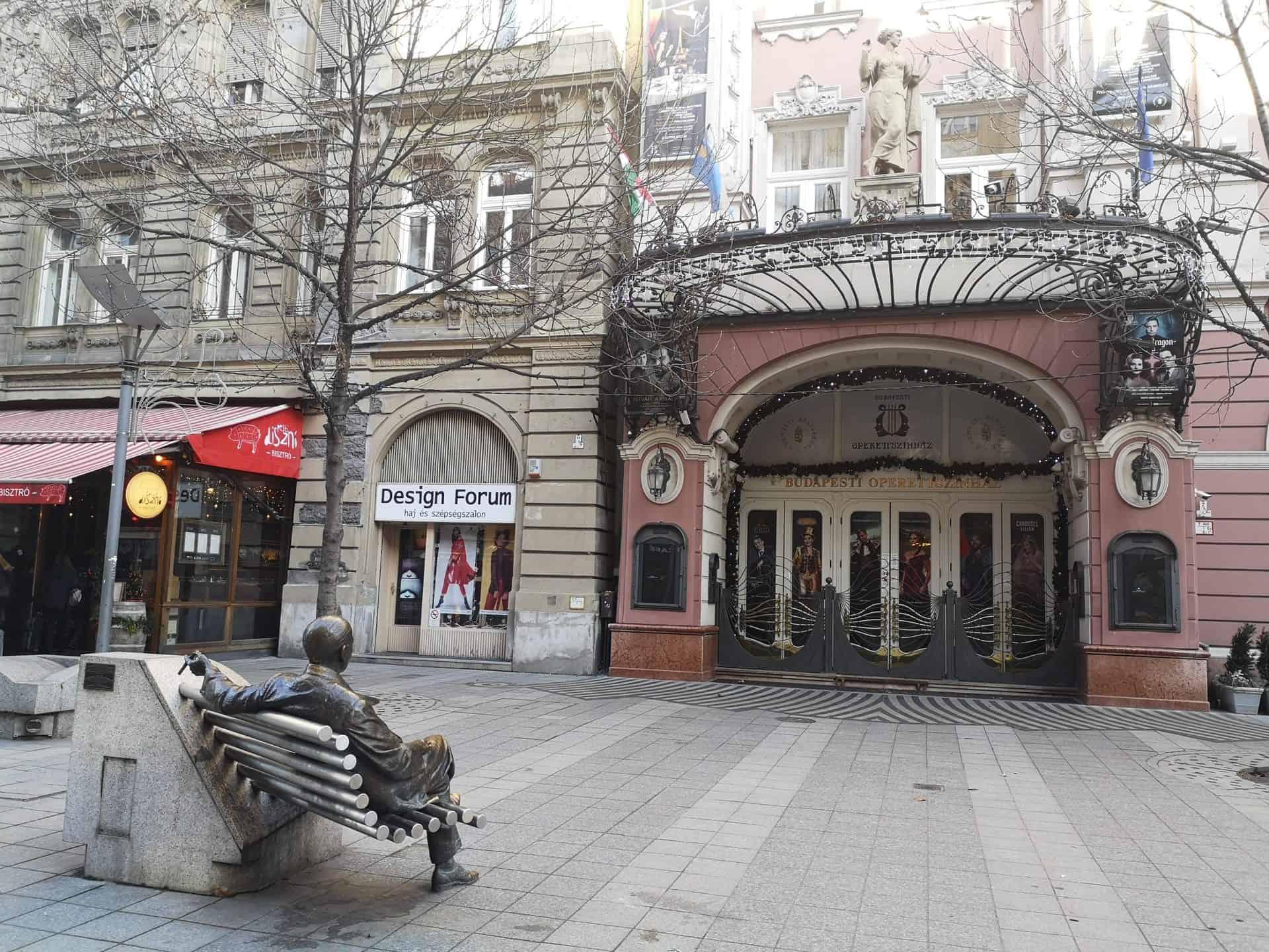 Glimpse of Budapest 2 - Budapest Broadway_A