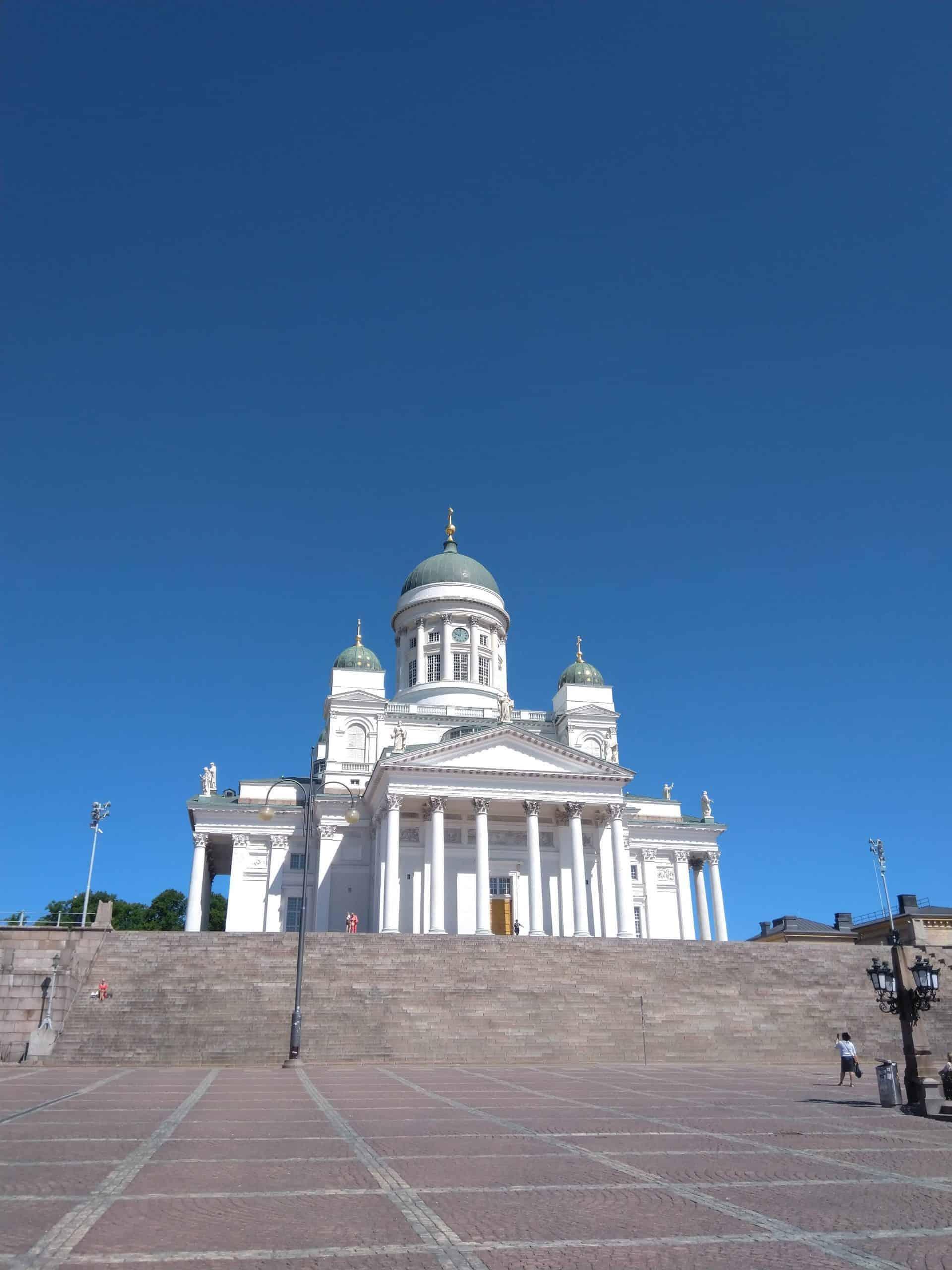 Helsinkitour_tourpoint2_helsinkicathedral