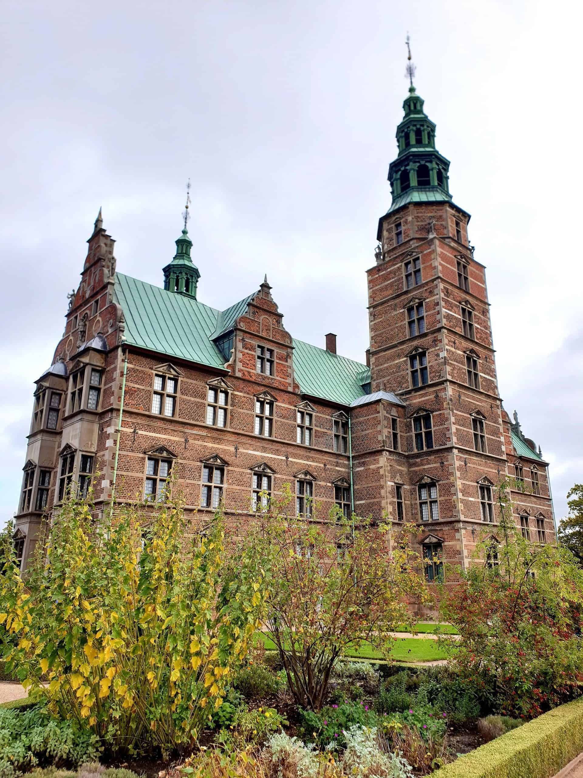 RoyalCopenhagentour_point1_Rosenborgcastle
