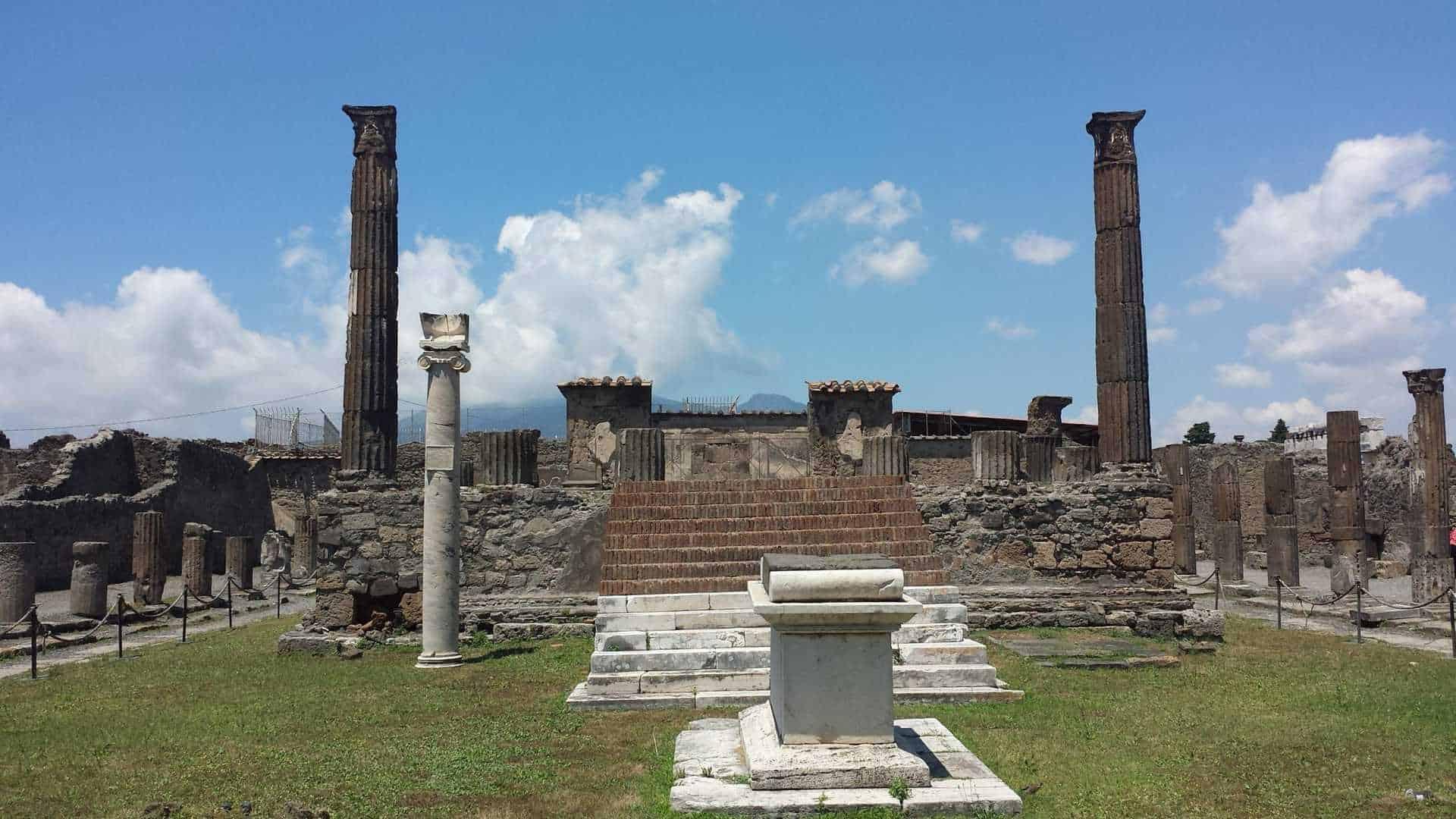 apollo_pompeii-2006439