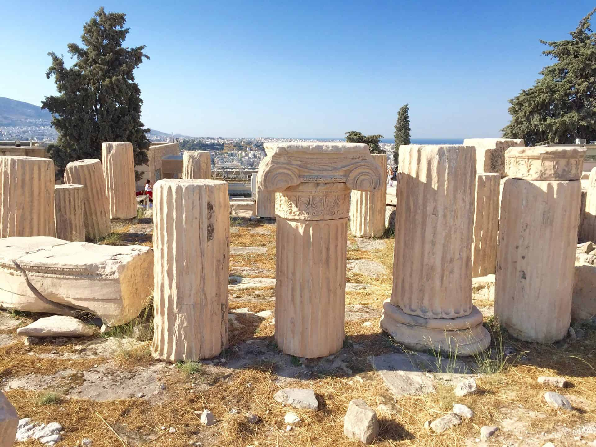 athens_acropolis14-The-Temple-of-Rome-and-Augustus-37.97171, 23.72744
