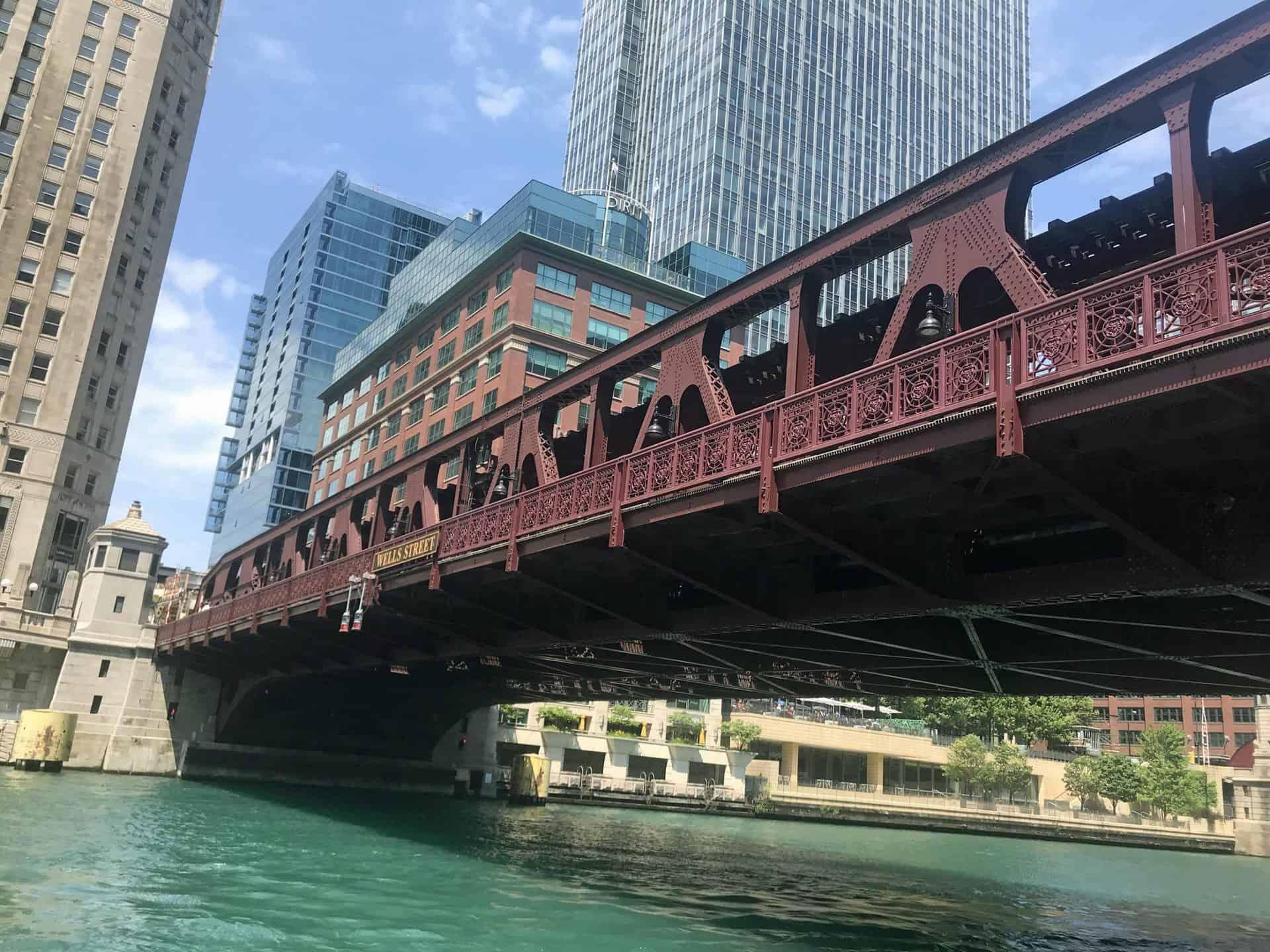 chicagoriverwalk_Point 16.1 West of Wells Street bridge