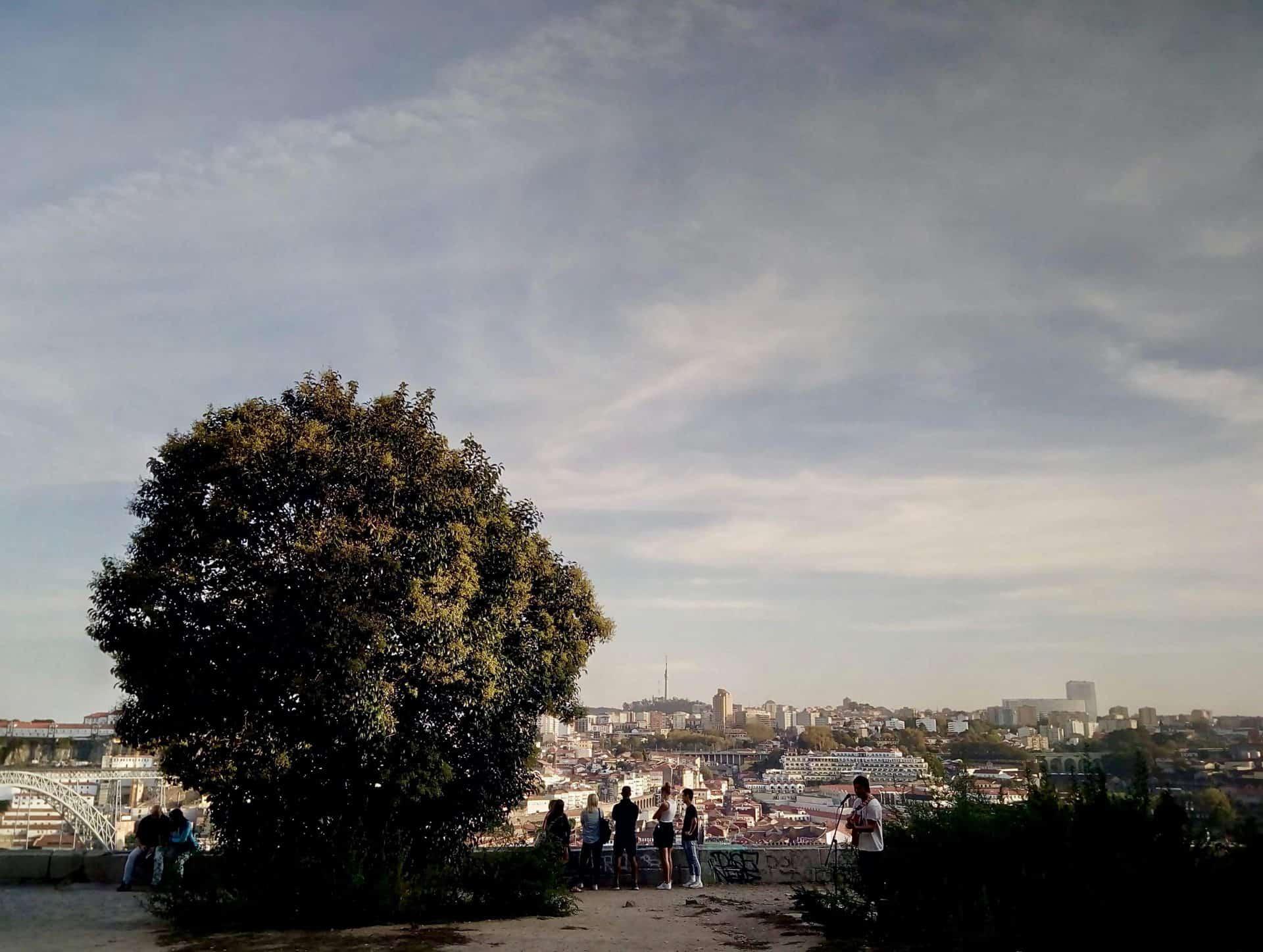 essential_MAINPHOTO2_Porto_tourpoint12_Vitoriabelvedere_broaderview_7