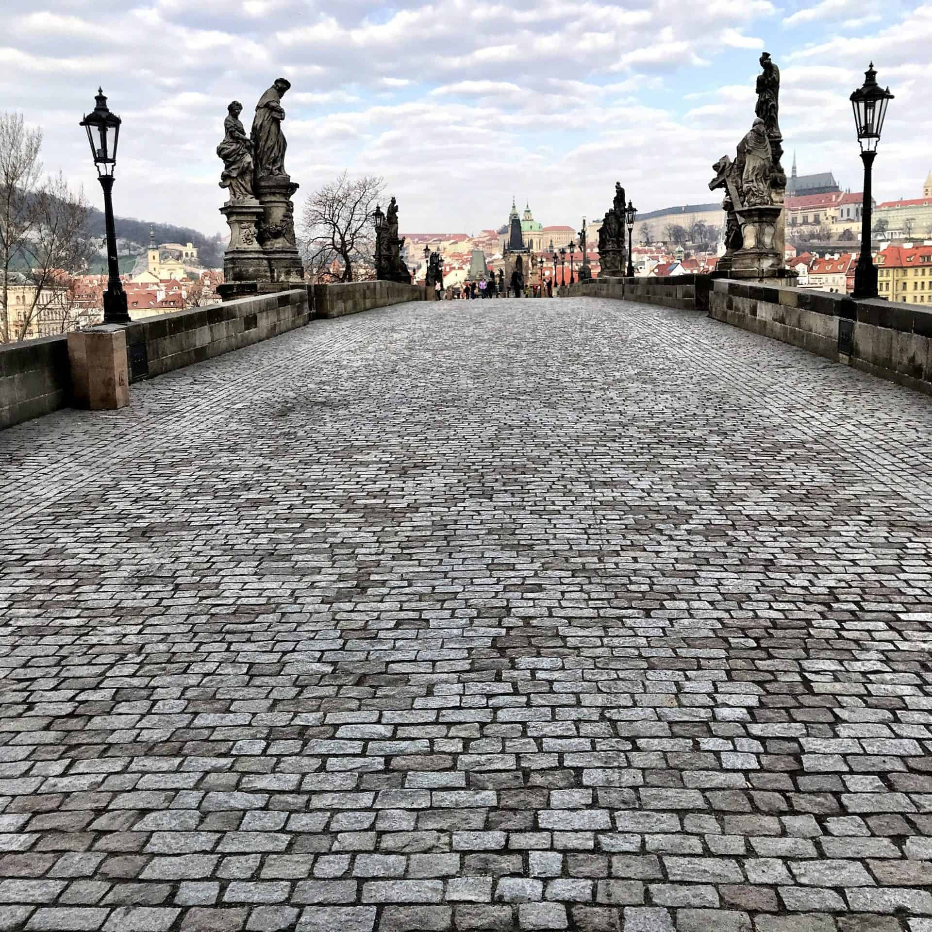 essential_PragueMainTour_JeffO_CharlesBridge_Point13