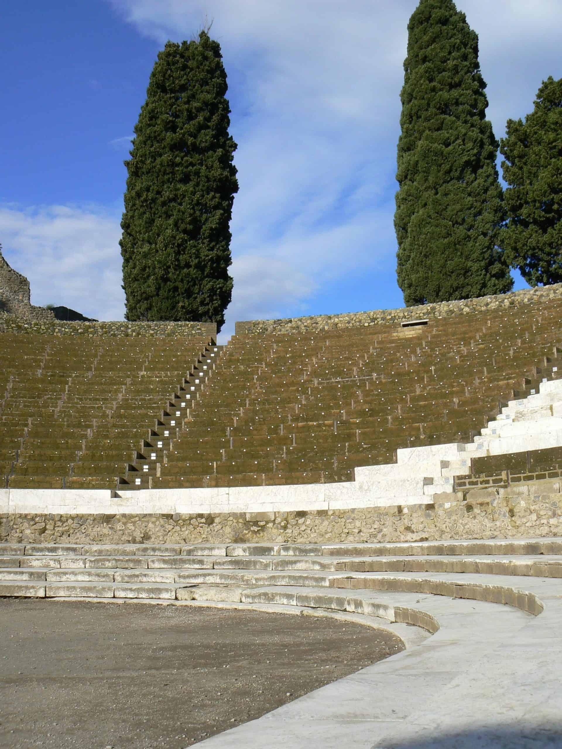 essential_pompeiigrandtheater_roman-theatre-922530