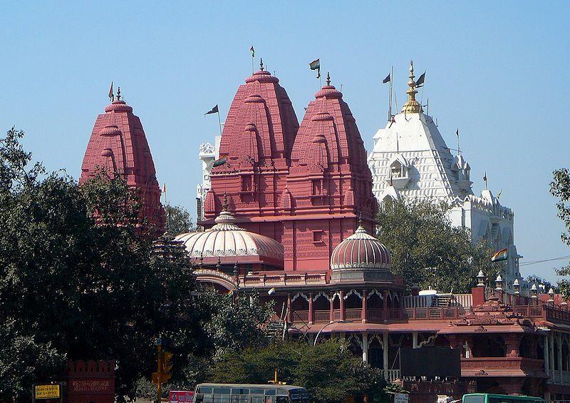 essentialdelhi10. Sri Digambar Jain Lal Mandir 800px-Digambar_Jain_Lal_Mandir,_Chandni_Chowk,_Delhi
