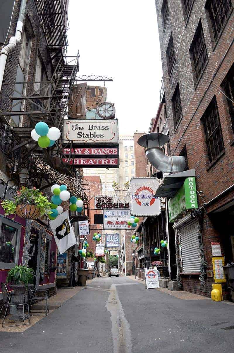 essentialnashvillePrinters Alley