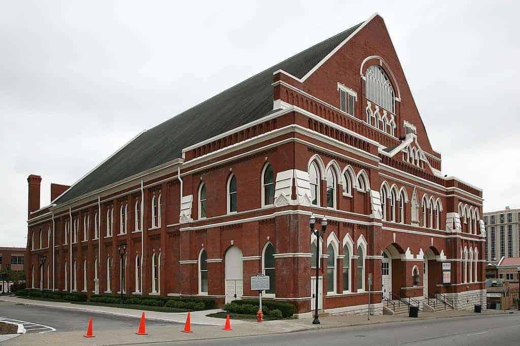 essentialnashvilleRyman Auditorium