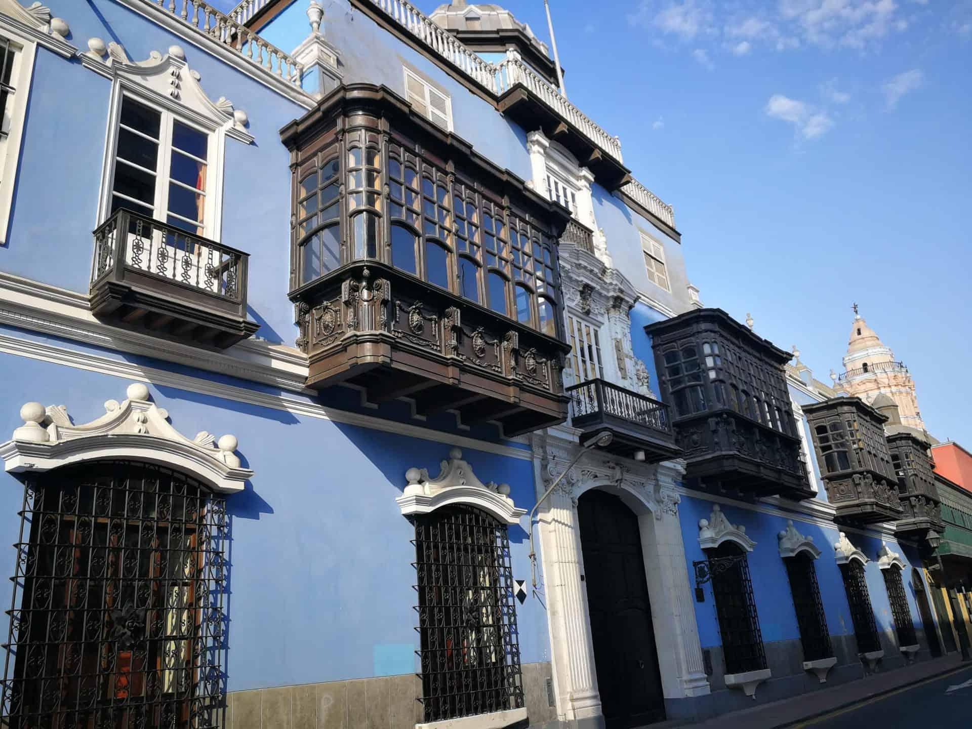 lima_essential_TP5_2nd_Casa de Osambela_Moorish Box Balconies