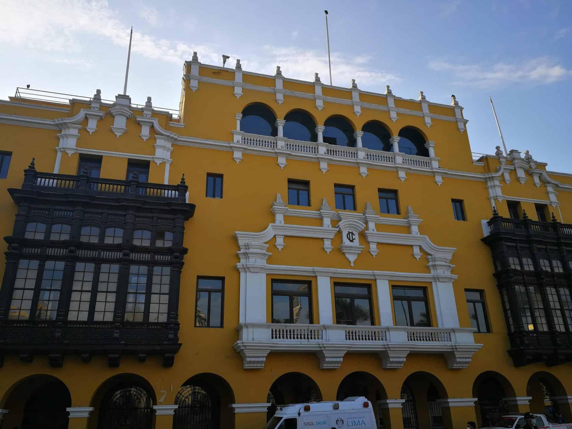 lima_essential_TP9_8th_Plaza Buildings_Club de la Union_
