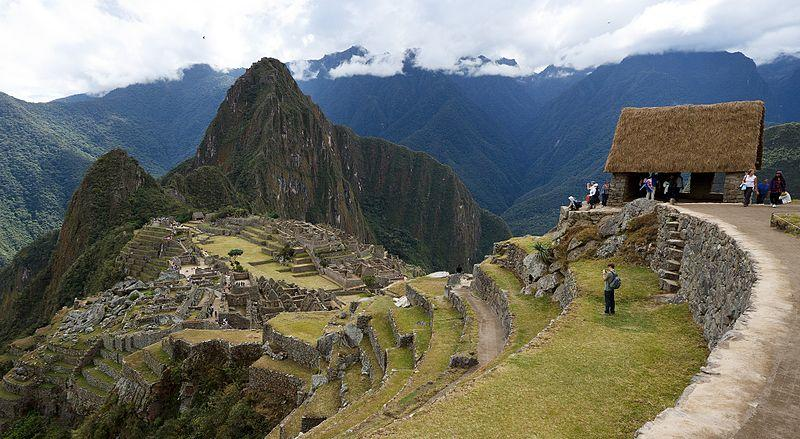 machu_picchu_minitour_TP2_1ST_A materpiece of human accomplishment_Casa de los Guardianes_Panoramio upload bot