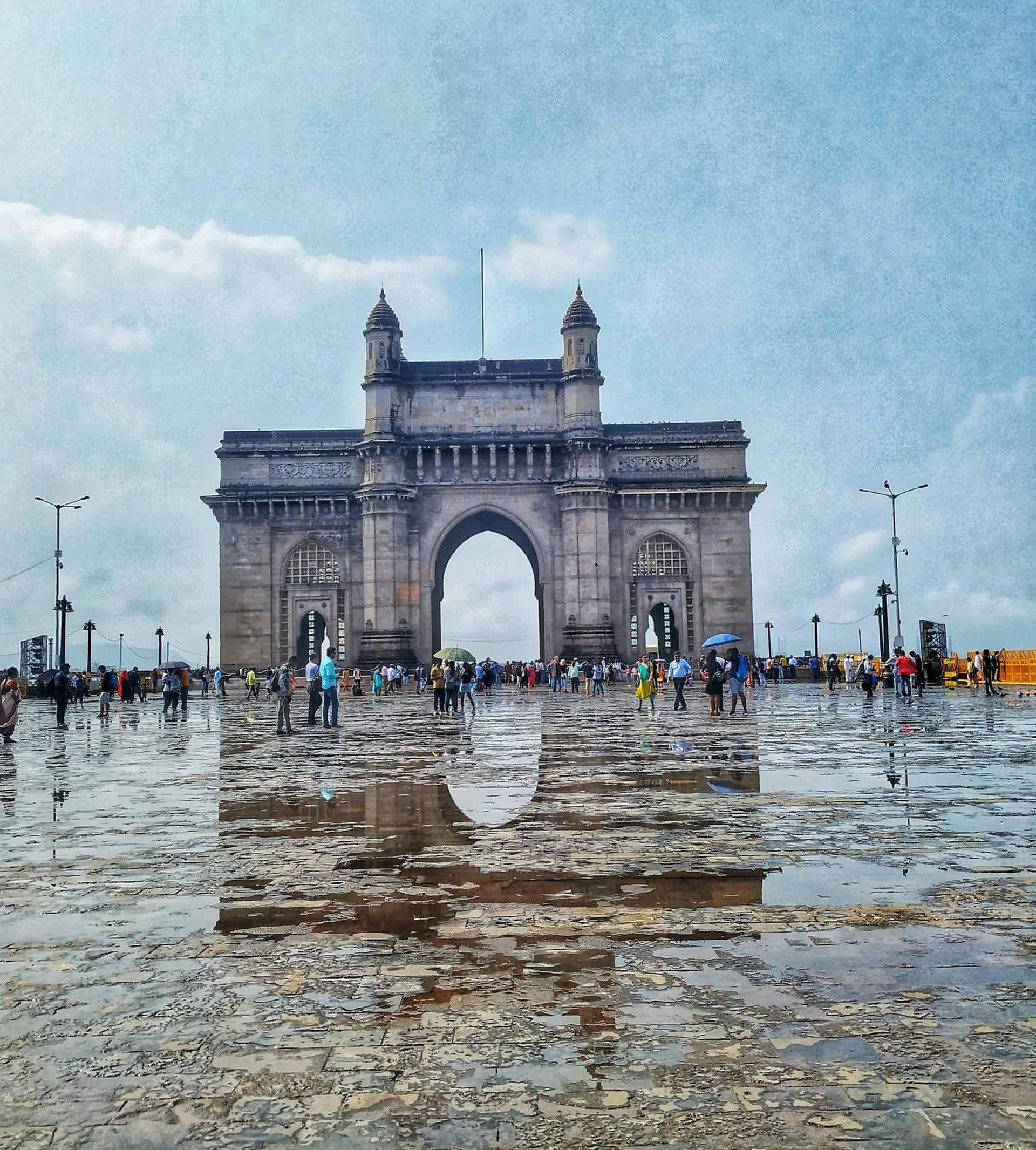 mumbai_essential_point14_gatewayofindia_mumbaitour