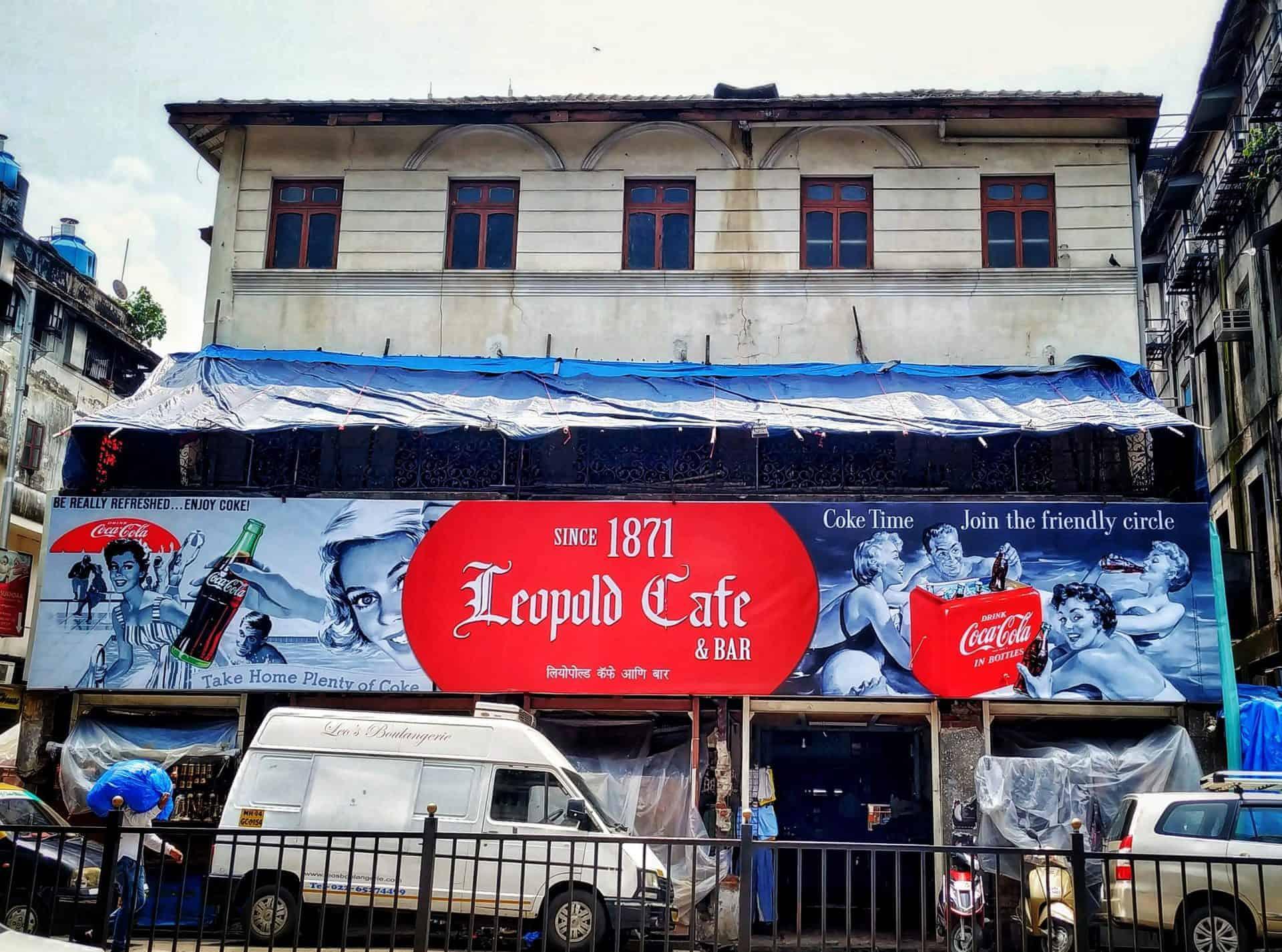 mumbai_essential_point16_cafeleopold_mumbaitour