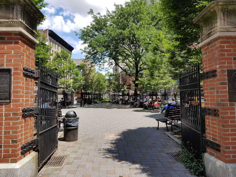 newyorkcity_LittleItalyChinatown_AdrienneCooper_Point5_PETROSINOSQUARE