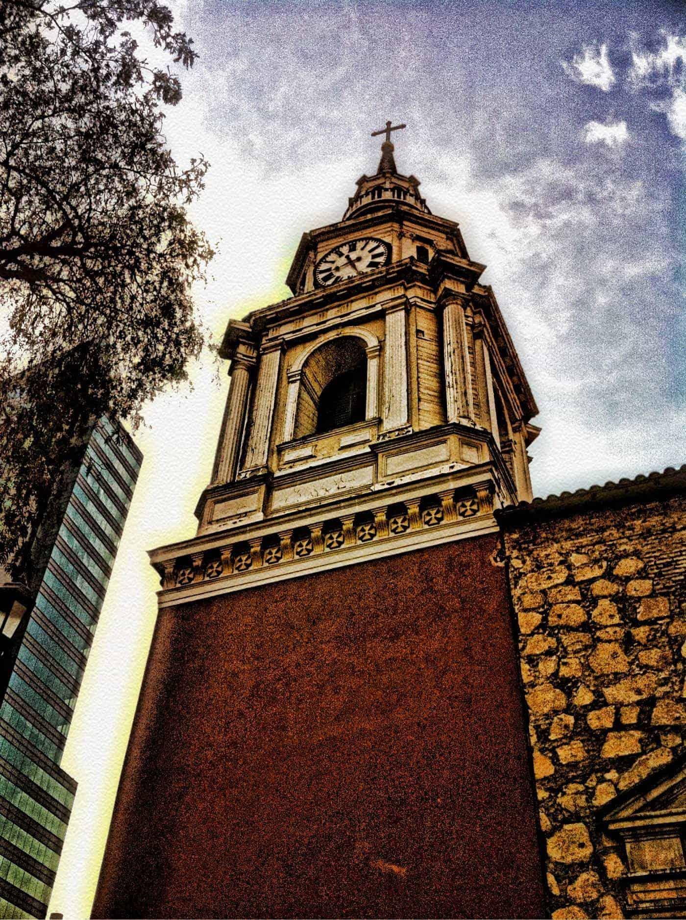santiago_essential_point7_Torre_Iglesia_San_Francisco_,_Santiago_de_Chile